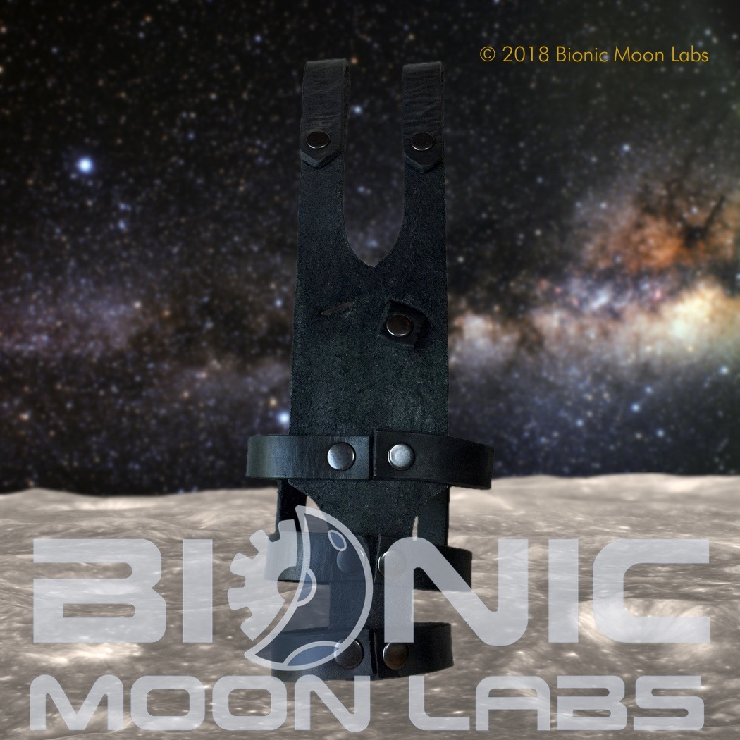 bsg-cylonpistolholster-detail2